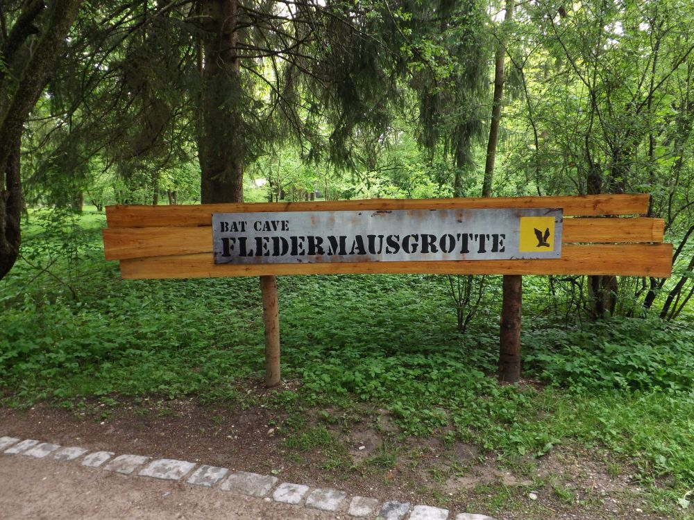 Fledermausgrotte, Hinweis (Tierpark Hellabrunn)