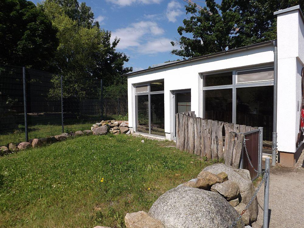 Schildkrötenhaus mit Freianage (Zoo Hoyerswerda)