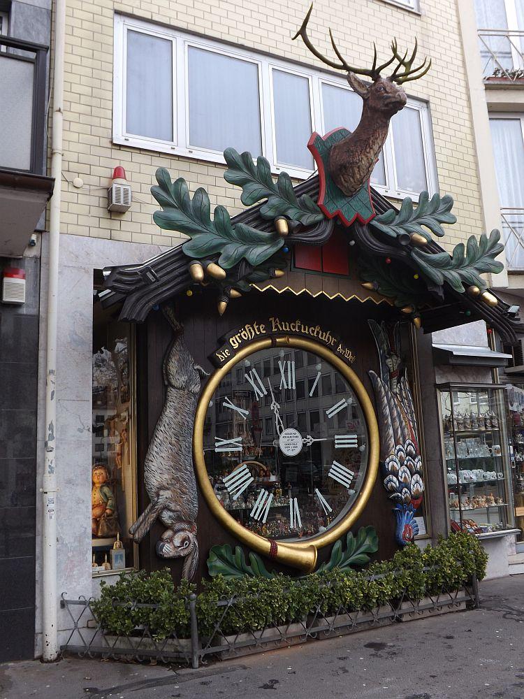 Die größte Kuckucksuhr der Welt (Wiesbaden)