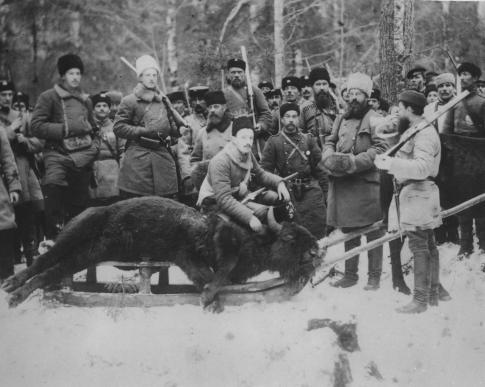 Sergei Mikhailovich und Aleksandr Mikhailovich, grandchildren of Nikolay I. bei der Wisentjagd im Westkaukasus
