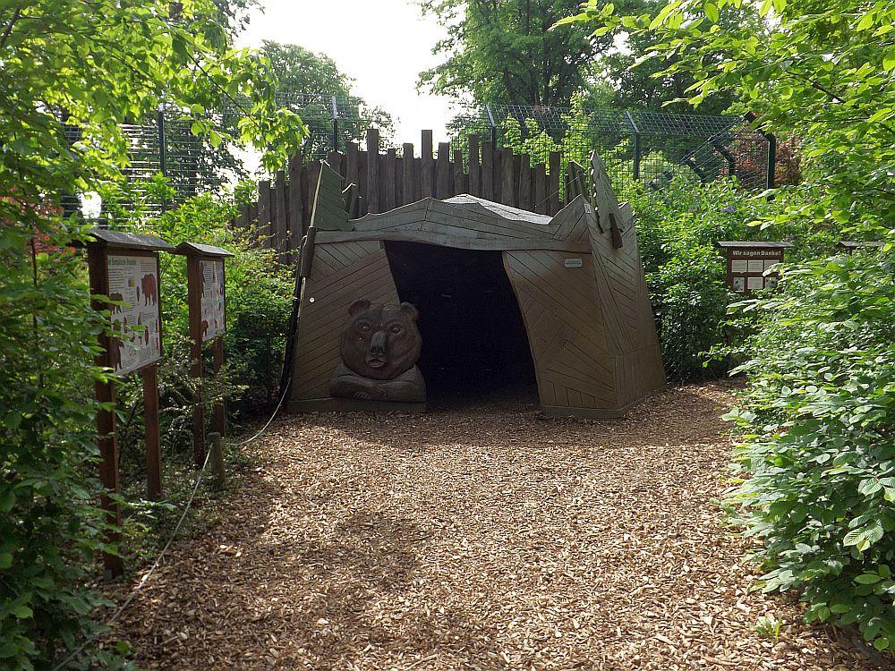 Bärenhöhle (Tierpark Dessau)