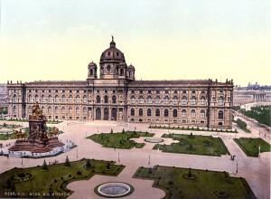 Das Museum am Maria-Theresien-Platz, vom Kunsthistorischen Museum aus gesehen; rechts die Ringstraße, hinten das Parlament (um 1900)