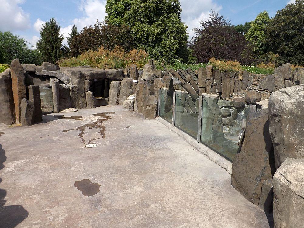 Blick auf doe Anlagen der Seelöwen und Kleinen Maras (Zoo Prag)