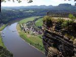 Elbsandsteingebirge, Elbe und Basteiaussicht