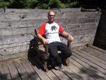 Ich auf Ossis Thron (Wildpark Buchenberg)