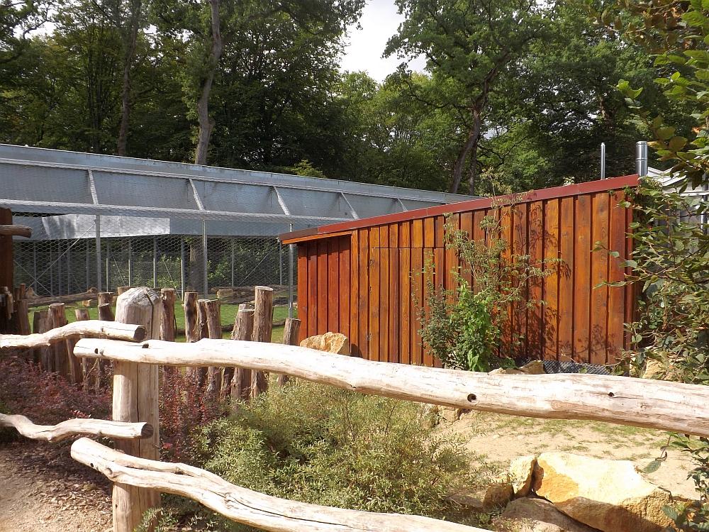 Anlagen für Spornschildkröten und Berberaffen (Parc Merveilleux,)