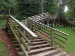 Treppe zur Luchsanlage (Wildpark Knüll)