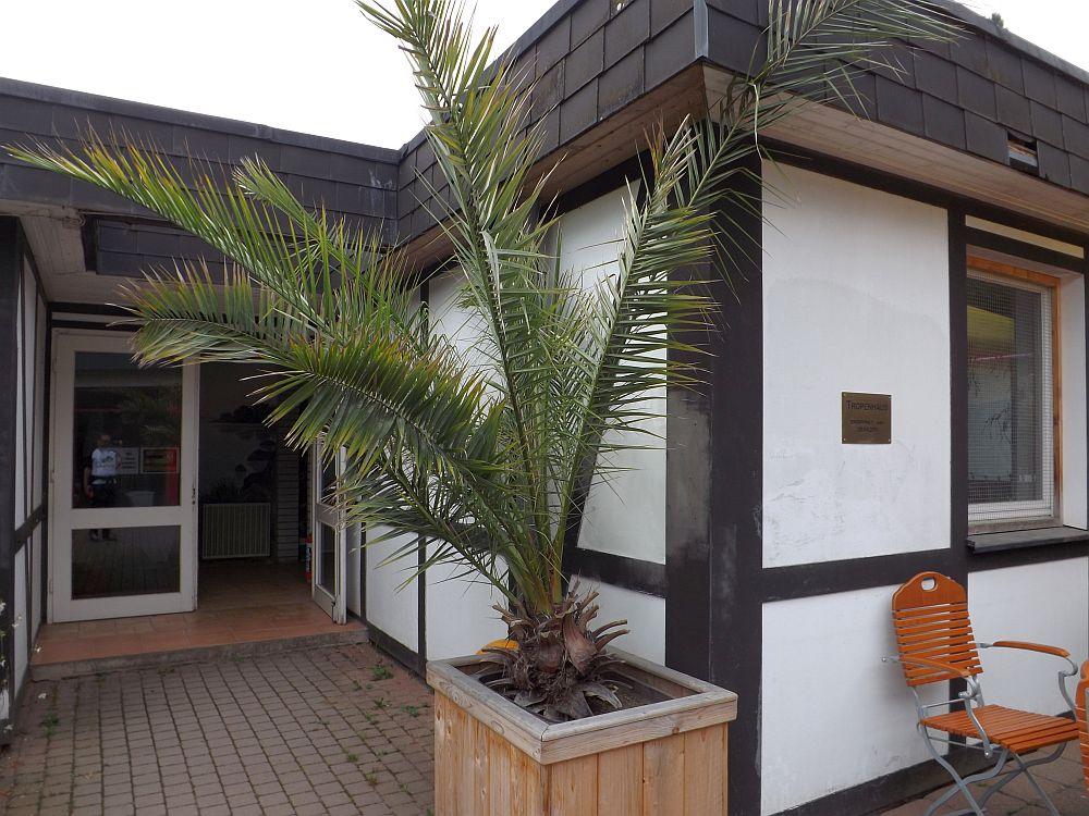 Eingang des Tropenhaus (Affen- und Vogelpark Eckenhagen)