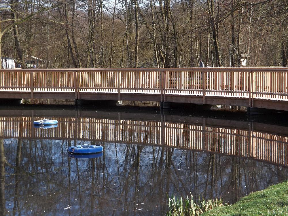 Brücke beim Donauaquarium (Tiergarten Straubing)